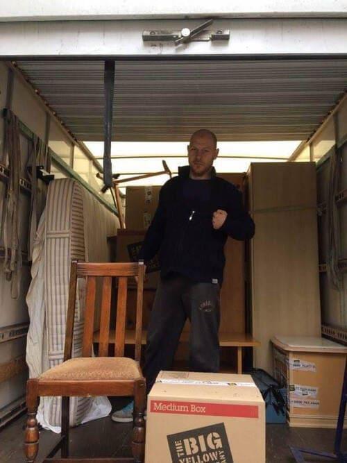 moving van TW6