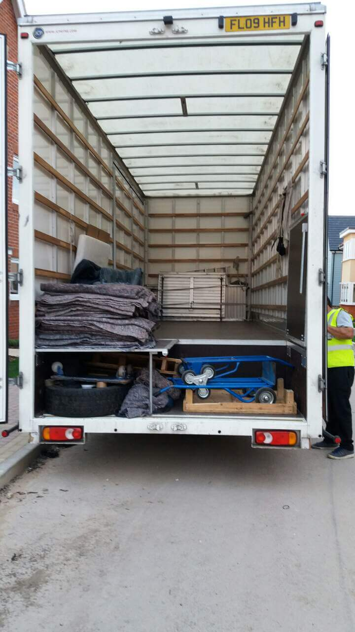 Hornchurch corporate moving